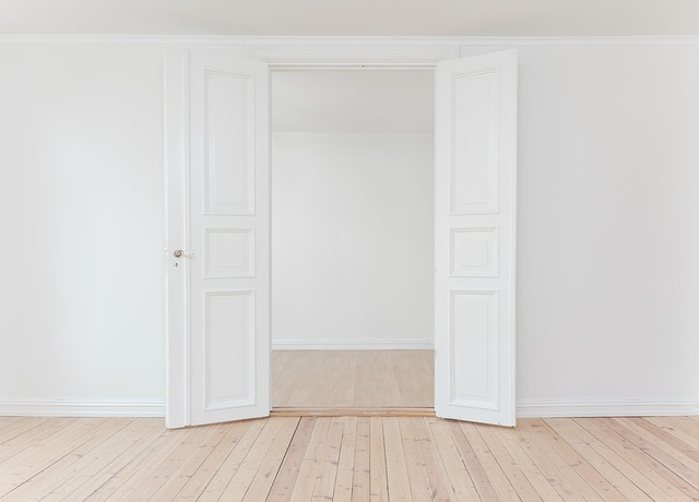 otevřené dveře