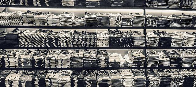 veľa tričiek.jpg