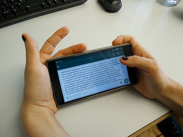 četovanie na mobile.jpg