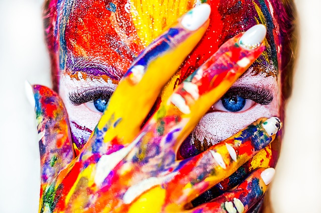 žena, make-up, farby.jpg